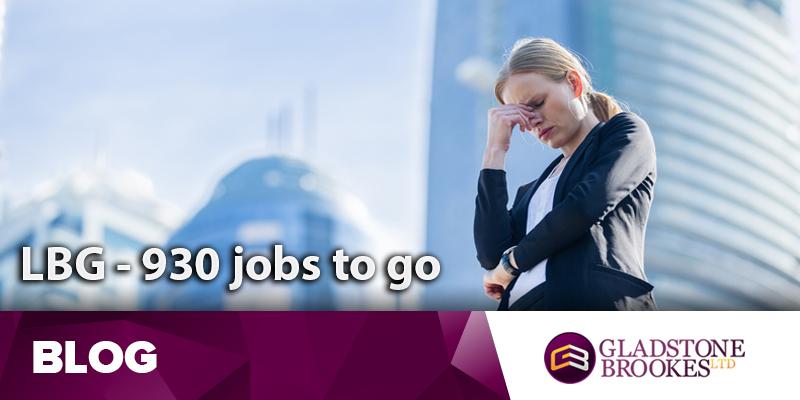 Lloyds axes 930 jobs